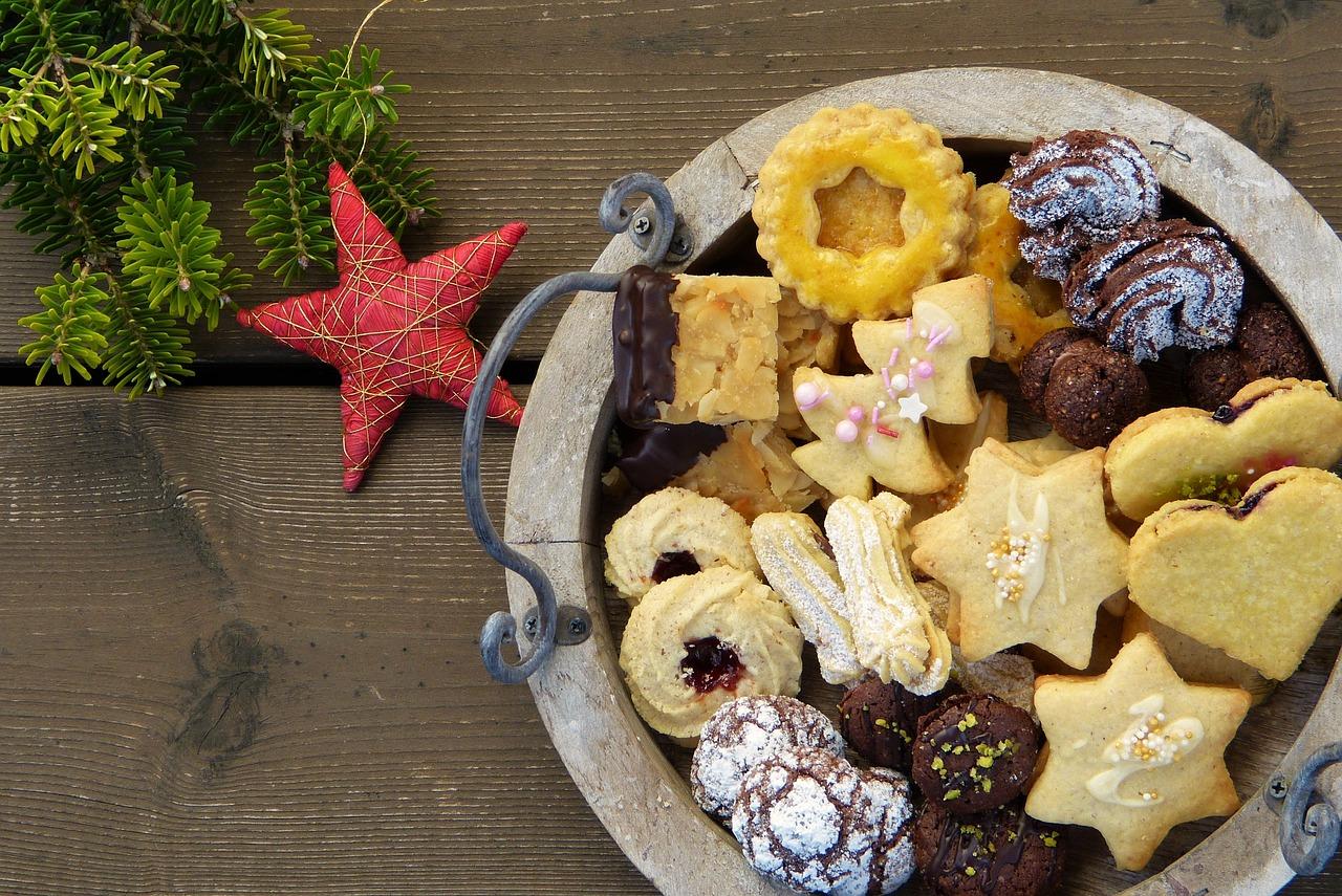 christmas cookies, cookies, christmas baking-2975570.jpg